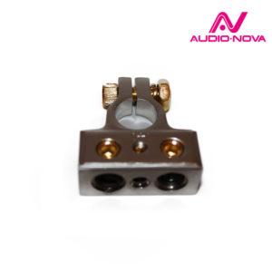 Клемма аккумуляторная, входы: 2х4Ga (до 20мм²), 1х8Ga (до 10мм²), в пластиковой защите. Цвет: САТИН
